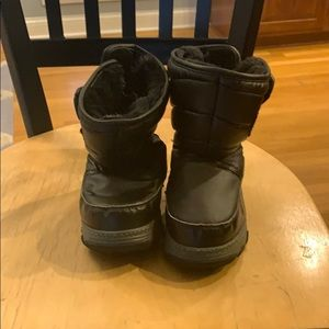 Size 9 kids winter boots